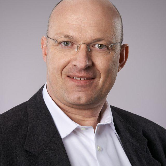 Dr. Roland Prestel